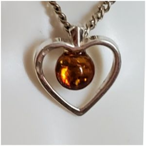 Jewelry - Genuine Baltic Amber Heart Pendant/Necklace